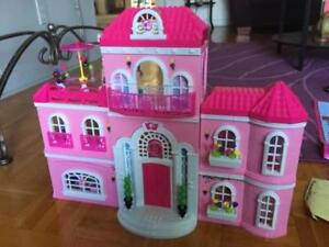 BARBIE LUXERY MANSION MEGA BLOKS