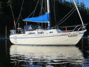 Crown 28 Sailboat (SOLD)