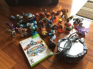 "Skylanders ""Giants"" for Xbox 360 with figures, with extras."