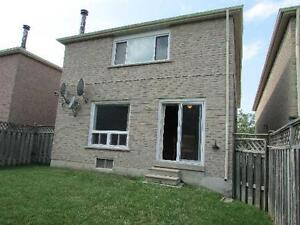 3+2 bedroom 2 story link house for rent Maccowan & Steeles