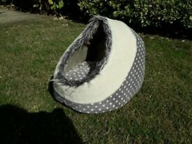 Grey and White Cat Igloo/Bed/Dome