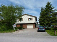 Waterfront Cottage, ( 50 Min From Toronto) ,In Port Perry Area .