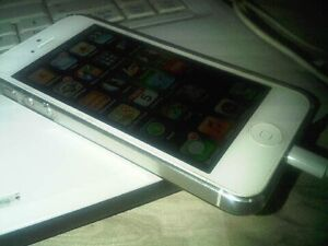 iPhone 5s (white) - Trade for Android