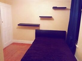 ROOMS TO RENT ! BILLS INCLUDED ! 2 SINGLE and DOUBLE / FRIDGE INCLUDED