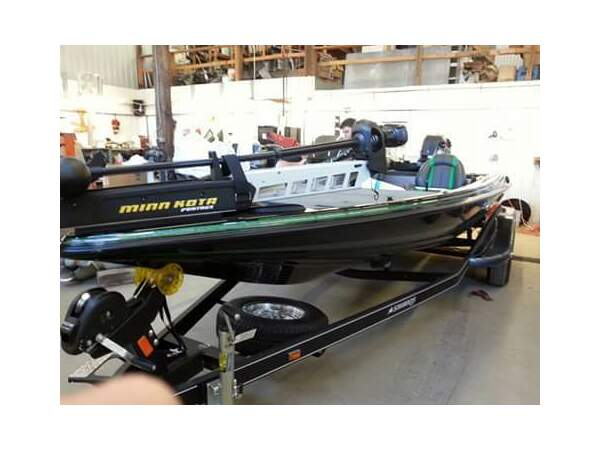 Used 2015 Stratos Boat Co 294XL Evo