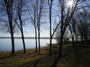 WATERFRONT HOME IN AYLMER