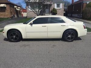 2006 Chrysler 300 safety and tested Newmarket