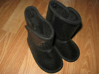 Size 6 (Extremely lightweight with soft fur interior) NEW
