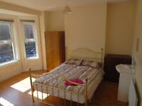 Belfast Student Rooms Double Bed Close To Queens FREE WIFI All Girl & Boy Houses To View