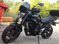 Yamaha FZ6N Fazer naked ***Akrapovic,fly screen,top box, rad guard and more***)))