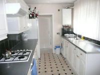 Light beautiful 3 doubles in zone 4, Edmonton Green station AVAILABE NOW