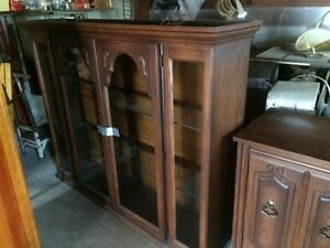 Vintage 1966  Hutch and Buffet. Windsor Region Ontario image 1