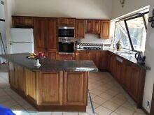 Kitchen MUST GO, ALL OFFERS CONSIDERED Alfords Point Sutherland Area Preview
