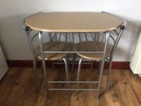 BISTRO TABLE & 2 CHAIRS HARDY USED