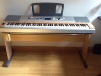 Yamaha DGX630 digital keyboard