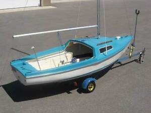 Great Day Sailer, shoal draft, retractable keel with trailer