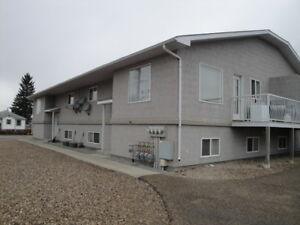 Redcliff .Spacious Modern-3 bedroom  4 plex