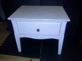 chest of white wooden draws