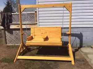 5 piece stained swing set