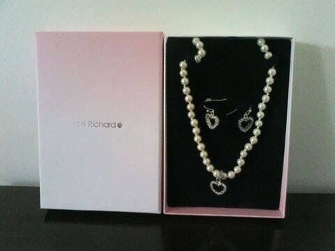 Necklace and Earrings Set (OPEN TO OFFERSin Coulby Newham, North YorkshireGumtree - NEW Pearl necklace with diamanté heart pendant with matching diamanté heart earrings OPEN TO OFFERS