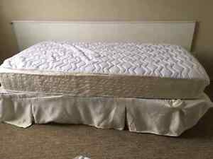 Twin size bed with steel frame