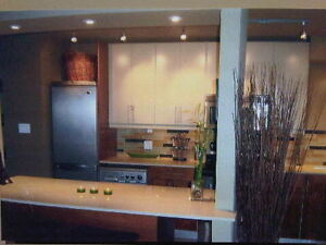 2 WEEKS FREE, STUNNING INNER CITY CONDO, ALL BILLS INCLUDED
