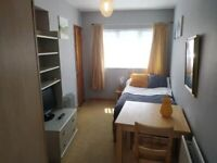 Self contained. Single room, all bills 10 mints walk to Colindale tube