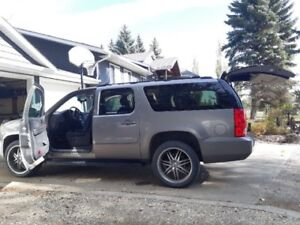 2009 Yukon XL - awesome for winter!