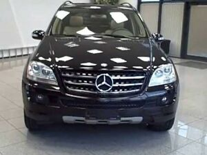 Mercedes Benz ml 350 SUV.
