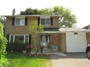 Lovely 2 Storey 4 Bedroom Home Located In Clarkson