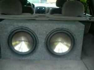 "2x 12"" subwoofer in enclosed box with amp SPECS BELOW"