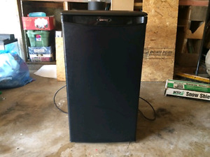 Selling a Danby mini fridge