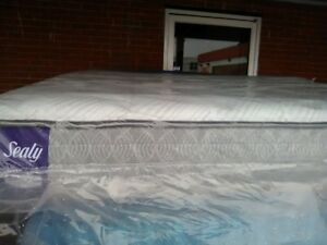 BRAND NEW  KING size!   SEALY Optimum Mattresses-Free king boxes