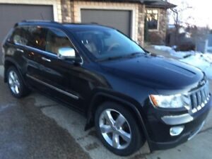 2012 Jeep Grand Cherokee Overland-Loaded- PRICED TO SELL!!