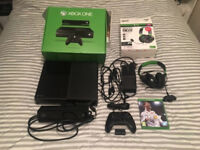 XBOX ONE 500gb + Kinnect + Fifa18, 1 controller, Headset and all wires etc,