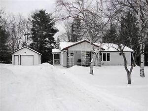 Waterfront 4 Season Cottage/House