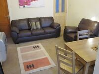 DOUBLE ROOM IN SOCIABLE CHESTERFIELD HOUSE SHARE £310 PM INC ALL BILLS