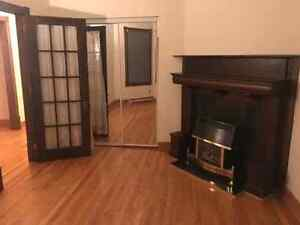Room for rent for June 1st on Dorchester  utilities  included