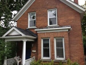 STUDENTS: INCLUSIVE 6 BED, BY ROOM! NEAR CAMPUS! 430 Union St