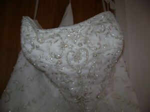 Excellent Condition - Brand New Wedding Dress-Never Worn!!! West Island Greater Montréal image 2