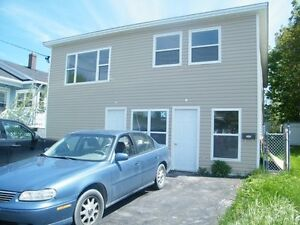 Available April 1st, top floor of house, 10 minutes from Mun