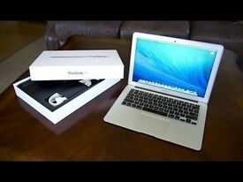 "13"" Apple Macbook Air Core i5 *2014* 1.4 Ghz 4gb Ram 128 Flash Storage Logic9 AdobeSuite FinalCutPro"