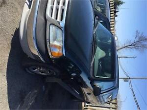 2001 Ford F-150 XL 8 FOOT BOX WITH CAP AS-IS DEAL