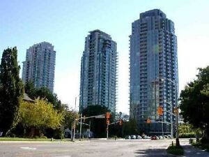 Cheapest 1 bedroom + Den with 1 bathroom by sq1 avail immed.