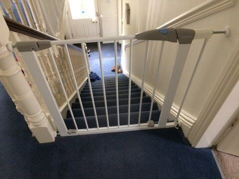 2 x Lindam Stairgates (75-82CM) with extensions (a further 7CM)