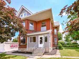 4 Bedroom Family Home in Downtown Century Duplex