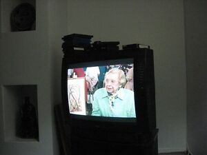 FREE OLDER MODEL TV.  WORKS FINE. West Island Greater Montréal image 1