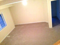 Master bedroom room rent rental female Mavis 401 403 start IMMED