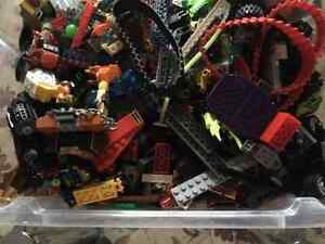 Huge lot of legos: AVAILABLE