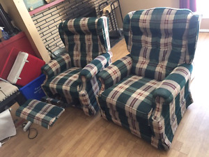 Lazy Boy custom fabric recliner set